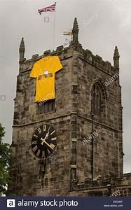 The Grand Tour En Francais : holy trinity church skipton is decorated for the tour de france stock photo 70334615 alamy ~ Medecine-chirurgie-esthetiques.com Avis de Voitures