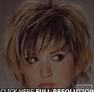 coupe de cheveux court femme 50 ans coupe de cheveux femme 50 ans 60 ans coiffure femme senior