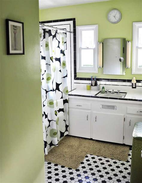 black  white tile bathrooms    ways