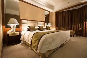 Schlafzimmer Romantisch Dekorieren : dekoration f r das schlafzimmer ideen f r romantische stimmung ~ Markanthonyermac.com Haus und Dekorationen