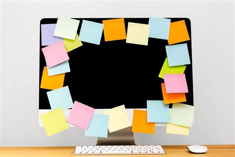 post it bureau pc one more way sticky notes save the day i m that