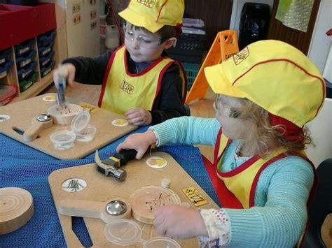 flying start  saltash pre school explore woodwork