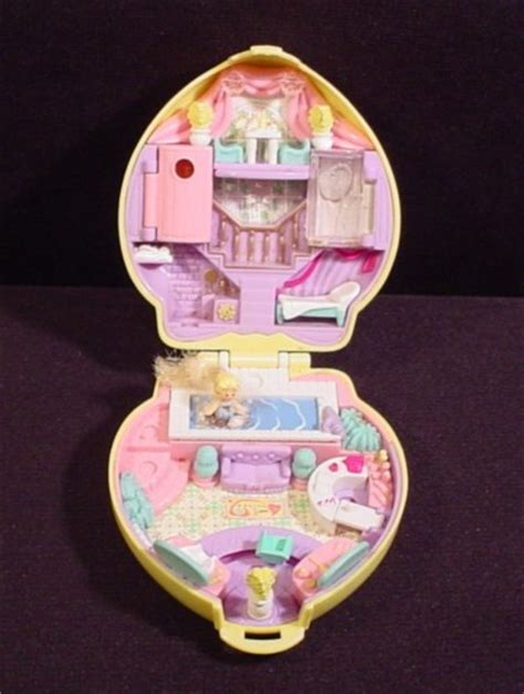 compact dining polly pocket 1995 stylin salon compact with one original