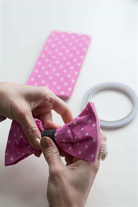 pliage serviette noeud papillon pliage de serviette en forme de nœud papillon guide astuces