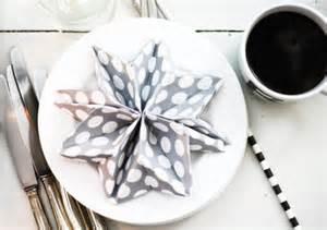 schussel aus knpfen weihnachtsservietten falten kreative deko ideen und innenarchitektur