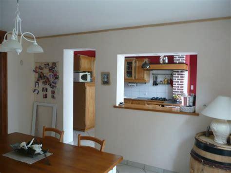 cuisine avec ouverture passe plat salle a manger avec passe plat en chêne v211maison59360
