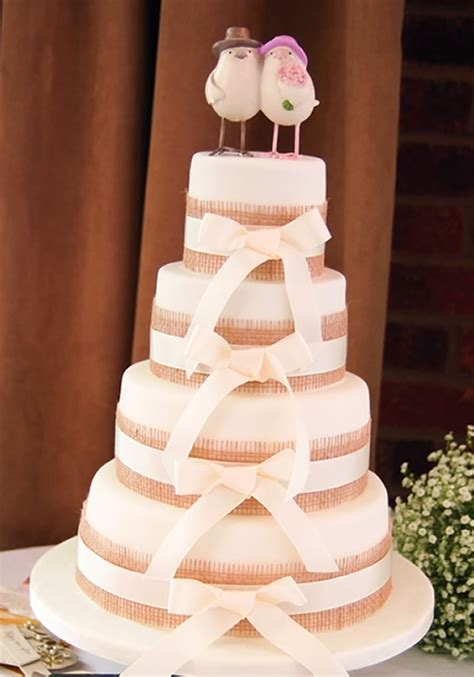Ideas Decorating Your Cake by 6 Simple And Sweet Ideas To Decorate Your Wedding Cake