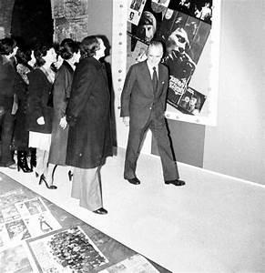 En images  en 1979 à Bordeaux le CAPC consacrait une expo à Johnny Hallyday  Sud Ouestfr