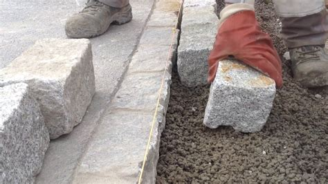 pflastersteine verfugen splitt granitpflaster in beton setzen verlegen