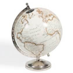 globe terrestre h 29 cm cl 201 mence maisons du monde
