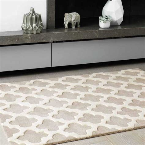 tapis haut de gamme beige  blanc casse artisan sand par joseph lebon