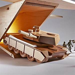 Mil-Spec M1A1 Abrams Tank Woodworking Plan from WOOD Magazine