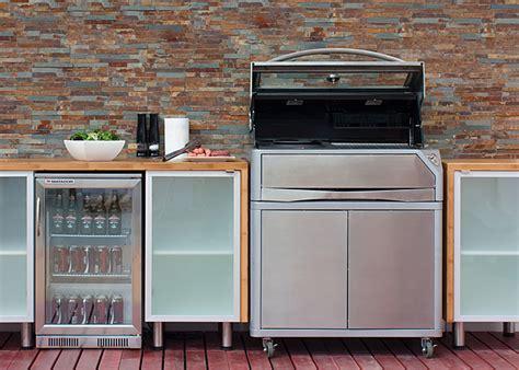 Creating Alfresco Kitchens   kaboodle kitchen