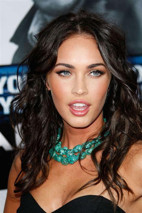 Megan Fox Turquoise Necklace List