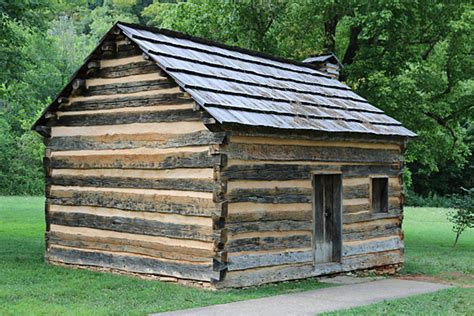 lincoln log cabin visit the boyhood home of abraham lincoln the gatethe gate