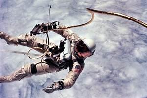 -Bit Astronaut (page 2) - Pics about space