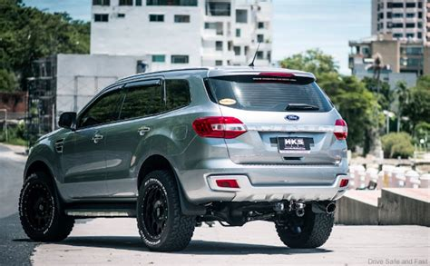 ford everest raptorthe   selling ford dsfmy