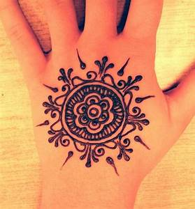 17 best ideas about Simple Henna Designs on Pinterest ...