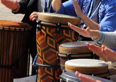 Āfrikāņu sitaminstrumentu nodarbība | Dāvanu Serviss