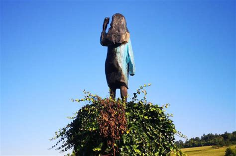 melania trump statue slovenia torched native fire wooden sculpture after lady statues july american days he