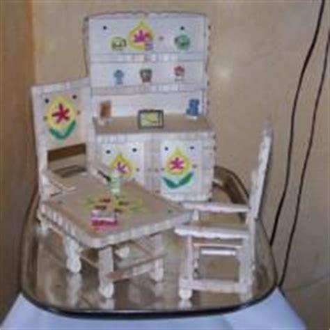 chaise en epingle a linge en bois chaise en demi pince à linge activités demi pince à