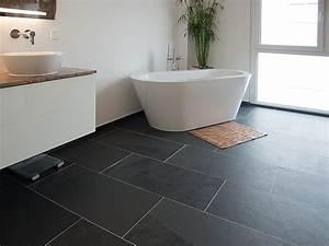 un carrelage en ardoise pour la salle de bain stonenaturelle With salle de bain gris ardoise