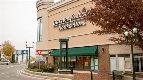 barnes and noble annapolis 8 things you need to this morning baltimore