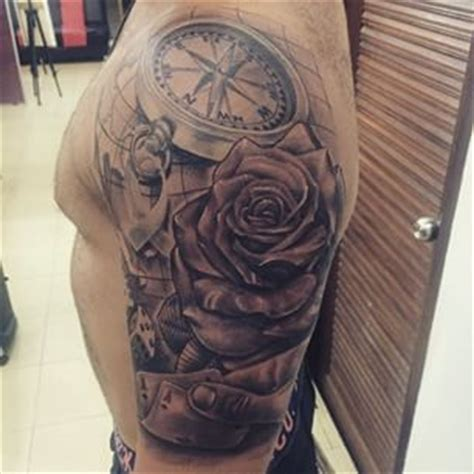 tatouage carte  boussole recherche google  tattoo