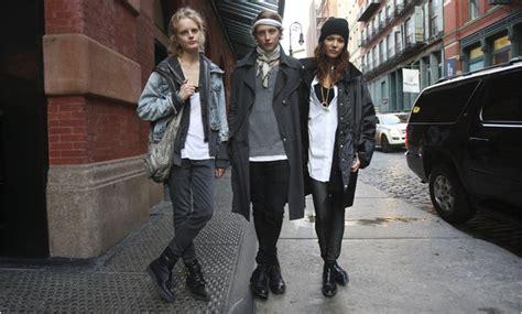 crossing   mens  womens fashion aisles