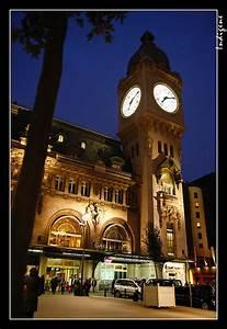 Horloge De Gare : l 39 horloge de la gare de lyon le beffroi la tour de l 39 horloge galerie paris by night dans ~ Teatrodelosmanantiales.com Idées de Décoration