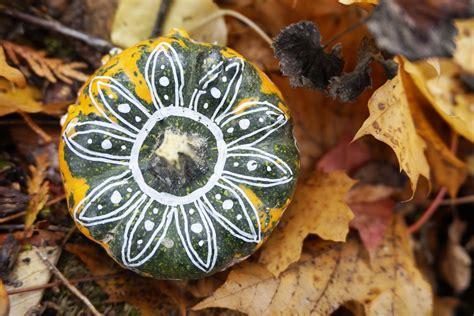 Kuerbis Dekorationsideenelegante Weisse Dekoration by Bemalte K 252 Rbisse Dekoration F 252 R Den Herbst Mit Tollen