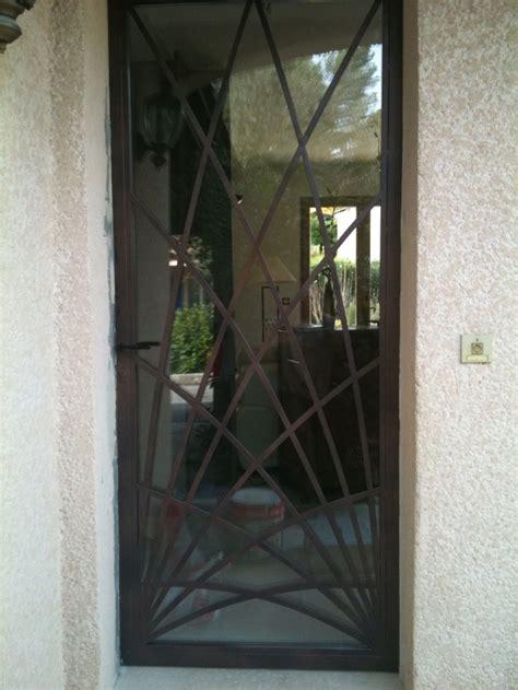 grille d a駻ation cuisine cuisine pittoresque grille défense pour porte d 39 entrée grille de défense pour porte d 39 entrée lapeyre grille de protection pour porte d