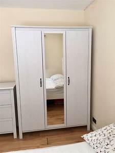 Ikea Brusali Nachttisch : white ikea brusali 3 doors wardrobe less than 2 years old ~ Watch28wear.com Haus und Dekorationen