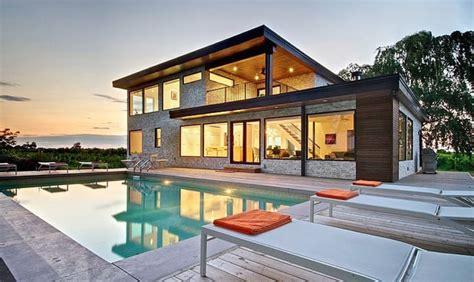 modern house  electric spots  color ontario canada