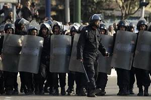 Cairo bomb blast: At least 6 policemen killed in Egypt attack