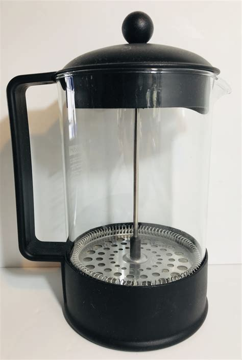 We take a look at how to brew a great coffee using a plunger. Bodum_Black_Coffee_Plunger_1 - Dove Hospice Shop