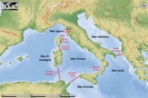 I Mari Bagnano L Europa Mari Canali Stretti Italia Con Carta Geografica