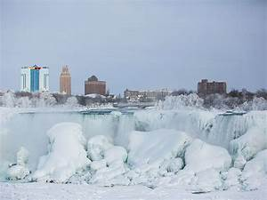 niagara falls FREEZES Winter Wonderland Ontario Canada Feb 2015 Peace Bridge Buffalo NY USA