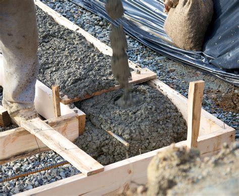 fundament für gartenmauer fundament f 252 r eine gartenmauer erstellen anleitung in 3 schritten