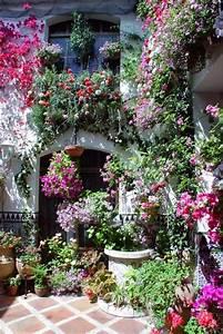 Innenhof Spanischer Häuser : pin von cat man du auf balcony container gardening pinterest reisen und g rten ~ Udekor.club Haus und Dekorationen