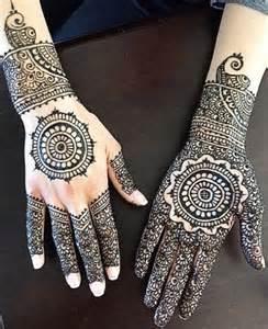 2017 New Style Mehndi Designs