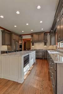 Wellborn Cabinet  Inc  Premier Series Sonoma Door Style On