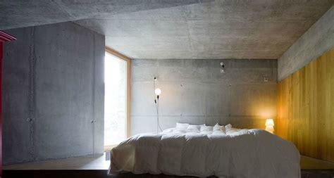 chambre troglodyte maison troglodyte design perdue dans la montagne suisse