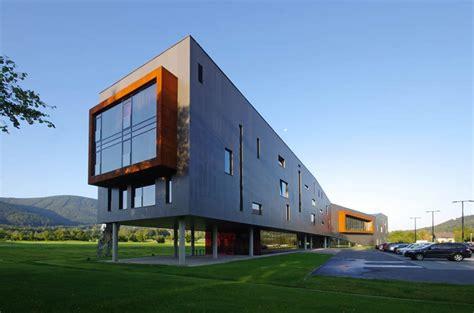REDSTEEL: spojení oceli, designu a umění | HOME