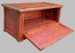 Coffre A Chaussure : coffre chaussures ancien en bois peint ~ Teatrodelosmanantiales.com Idées de Décoration