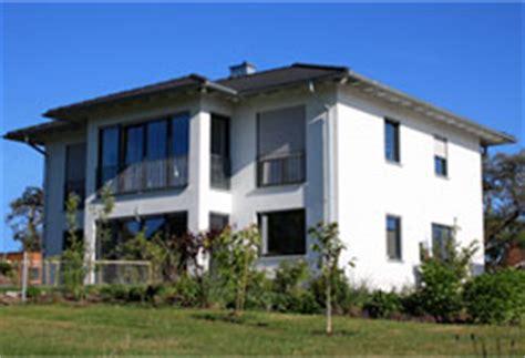 Moderne Häuser Mit Walmdach by Dreher Bau Innovativ 246 Kologisch Zuverl 228 Ssig