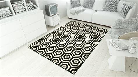 debonsol tapis salon moderne hexagones noir blanc debonsol