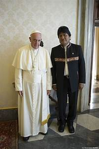 Morales again raises eyebrows with papal gift | Daily Mail ...