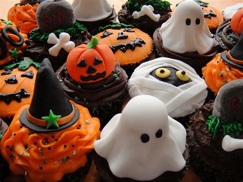 sweet halloween treats pictures   images