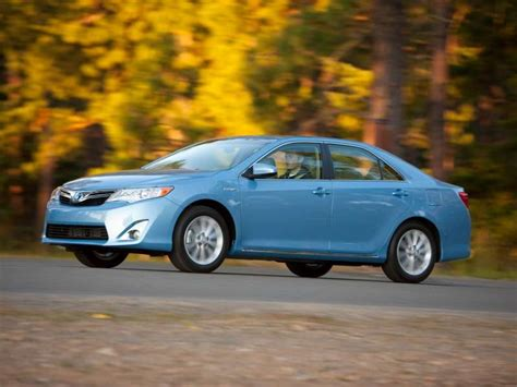 2013 toyota camry mpg 10 family cars with the best gas mileage autobytel